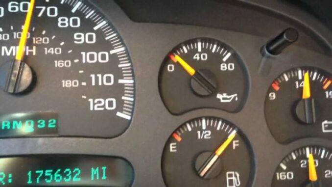 Engine Oil Pressure Gauge